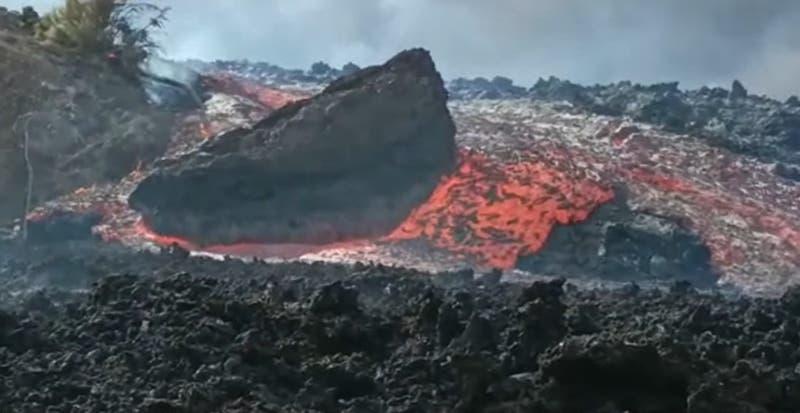 Video registra el arrollador avance de la lava de volcán en La Palma