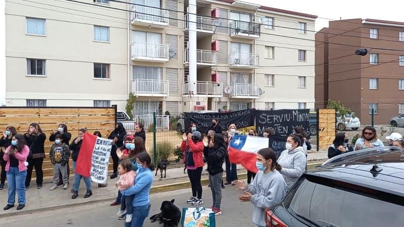 256 familias de San Antonio deben dejar sus departamentos por fallas graves