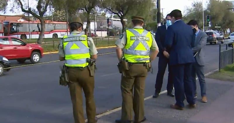 Apuñalan a hombre que se resistió a robo de $9 millones fuera de un banco en Puente Alto