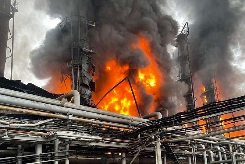 Siete muertos y nueve desaparecidos en incendio de una fábrica de explosivos en Rusia
