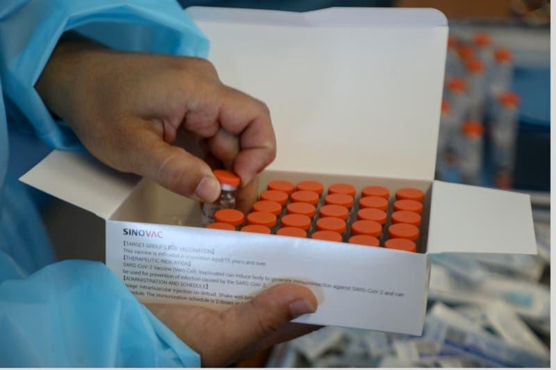 Funcionaria de la salud fue vacunada con seis dosis de Pfizer en Copiapó