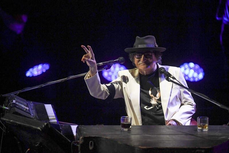 [VIDEO] Charly García sorprendió en su cumpleaños 70