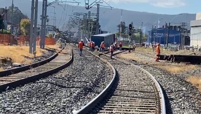 Descarrilamiento de carro de tren provocó funcionamiento parcial de Biotren