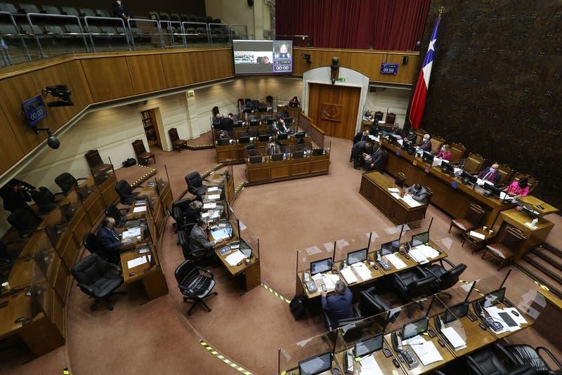 Cuarto Retiro: Comisión de Constitución adelanta votación del proyecto en general