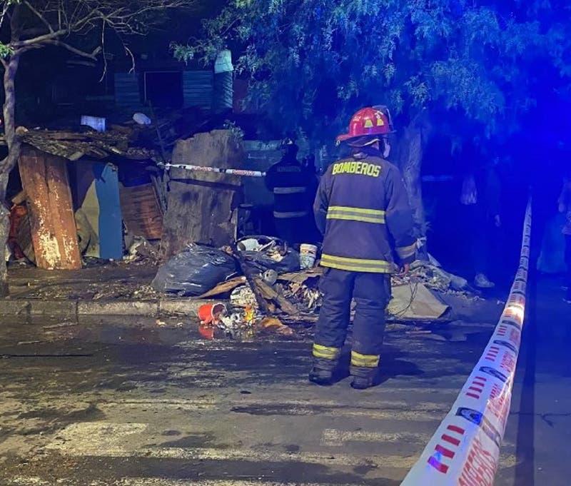 Incendio en Población La Victoria deja a dos fallecidos y tres lesionados